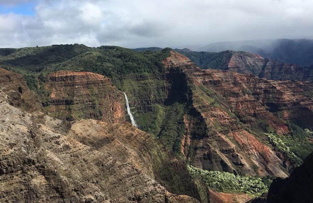 Waimea Canyon, Kauai<br>📷 @meredithrangel