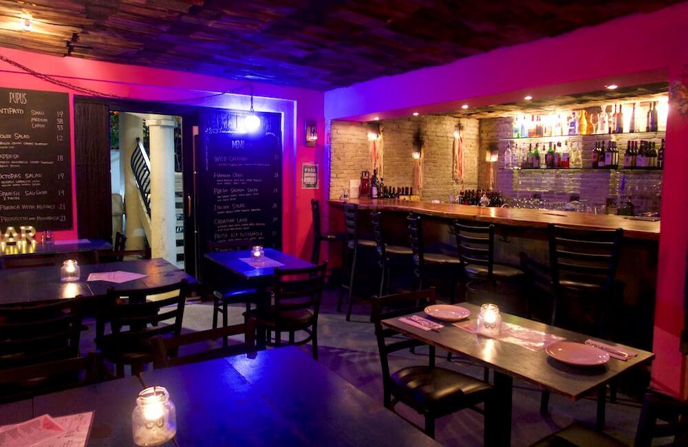 La Vela Wine Bar, Waikiki, Oahu