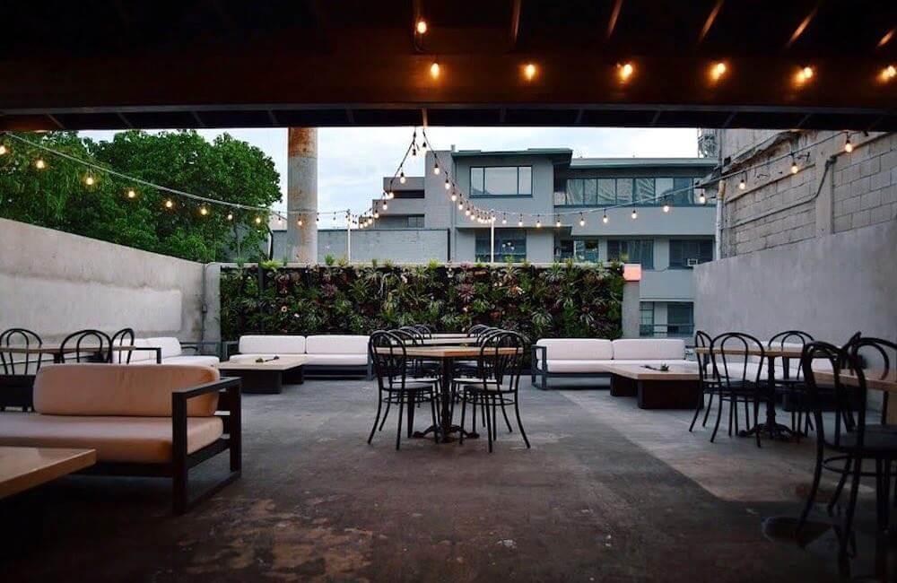 The Tchin! Tchin! Bar, Chinatown, Honolulu